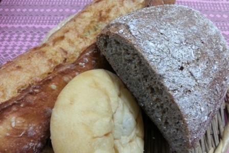 代々木八幡神社の帰りは「365日」のパンを買う