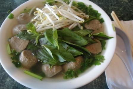 ハワイのレストラン 2: Hale Vietnam(ハレ・ベトナム)