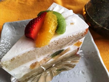 クレヨンハウスケーキ